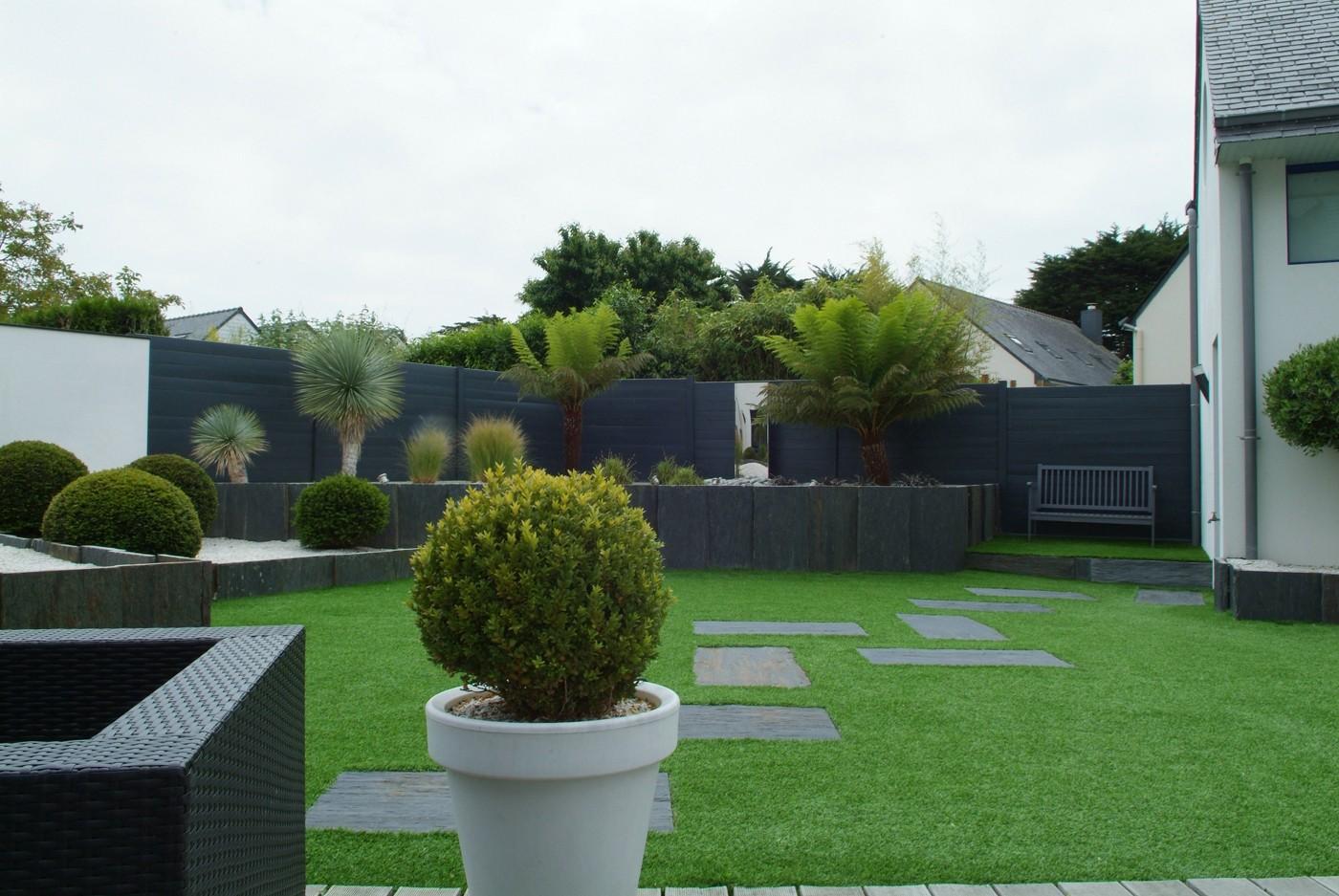 La cl ture de jardin des id es pour sublimer votre - Amenagement exterieur jardin moderne ...